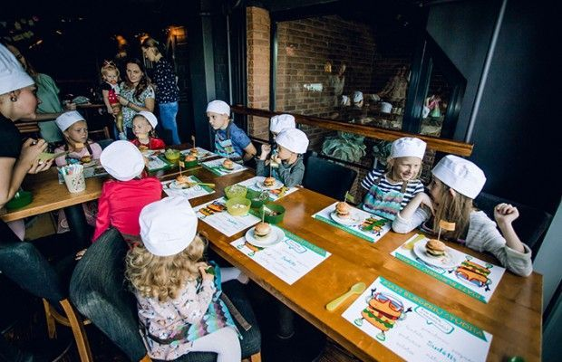 Mokytis gaminti mėgstamus patiekalus patinka ir trimečiams pypliams, ir įnoringiems didžkiams.